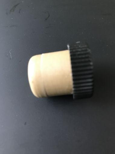 Гумена  тапа- Т - образна - 21 мм.