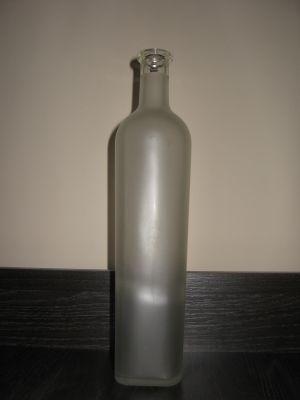 Квадратна матова бутилка-0.700 ml.