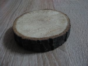 Голямо дървено трупче-мин.количество 2 бр.
